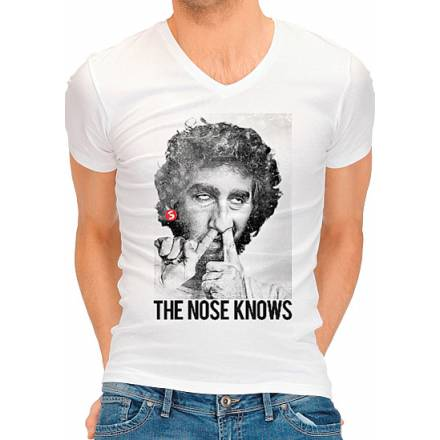 camiseta divertida the nose knows